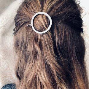 Brandy Melville Gold Metal Pearl Circle Hair Clip